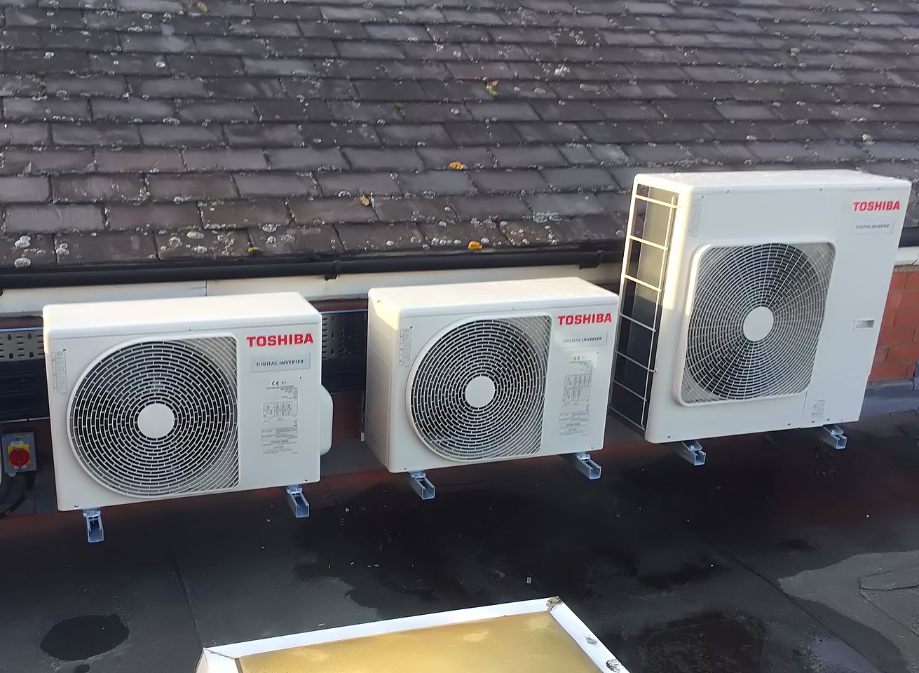 New Air Conditioning Unit >> First Uk Installation Of Toshiba S New High Efficiency Di Air